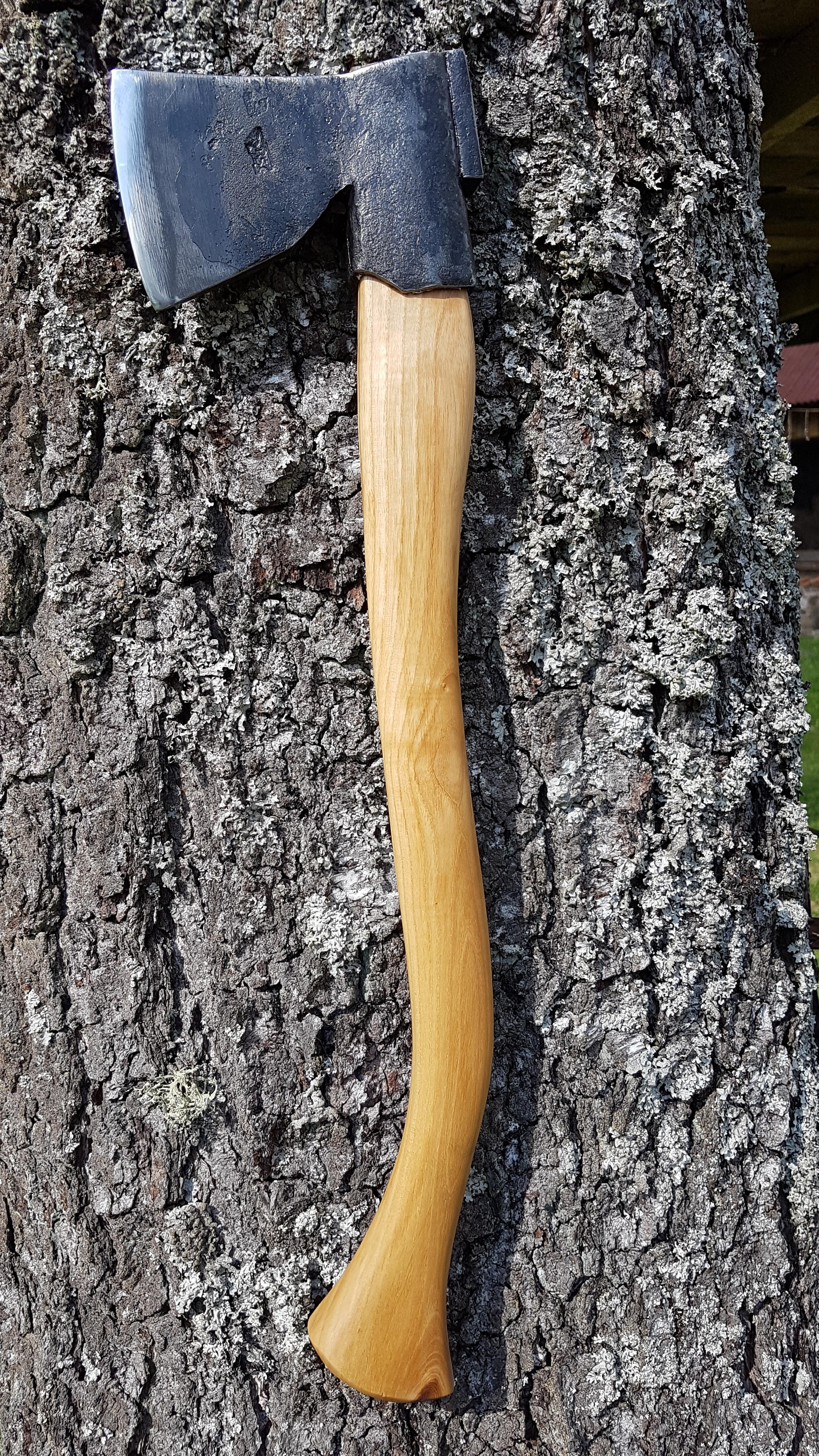 Puuseppa kirves